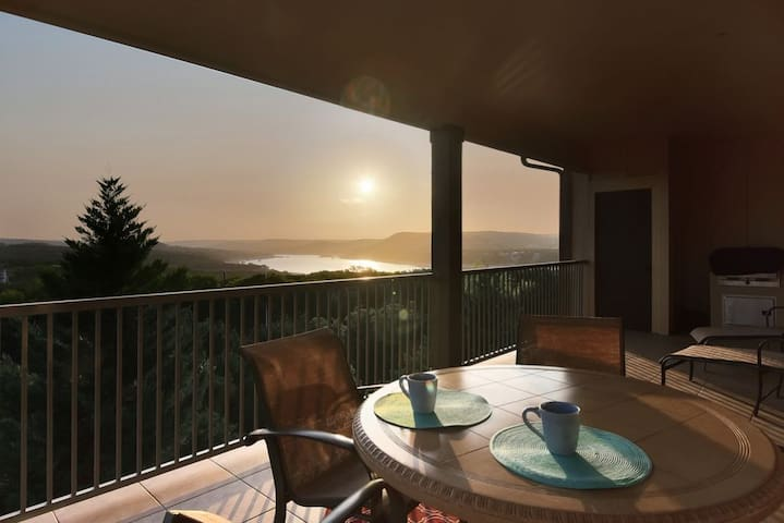 Beautiful Villa with Views at the Hollows Resort