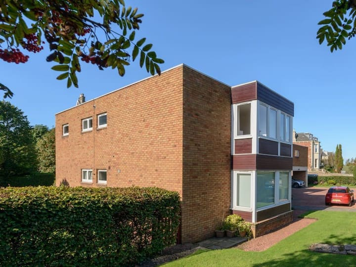 Cooleens -Chic 2-Bed Apartment in North Berwick