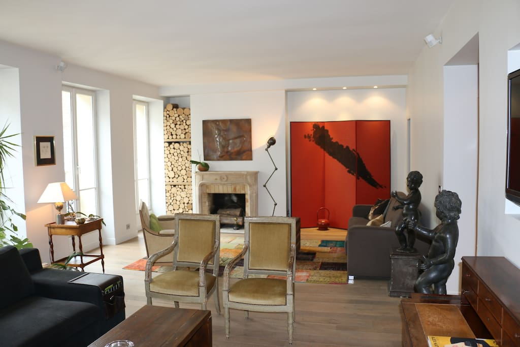Simply elegant, parisian, quiet and very well located