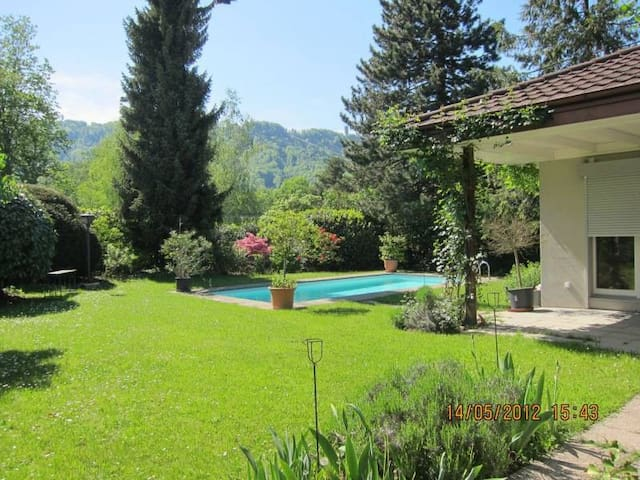 You will love it! Villa with Pool,Chimney,Garden.. - Adliswil - House