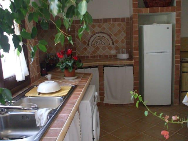 Delizioso appartamento indipendente - Arzachena - Apartamento