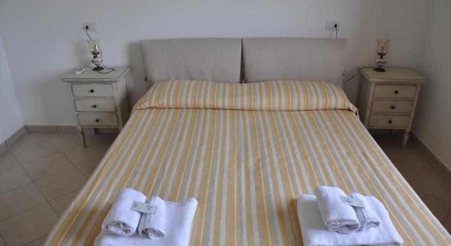 camera matrimoniale double bed