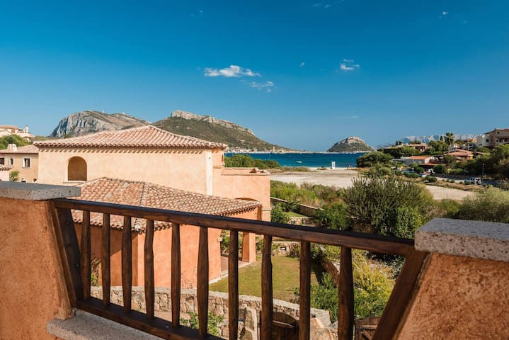 Golfo Aranci - Beautiful Seaview apartment for 5 100 mts from the beach
