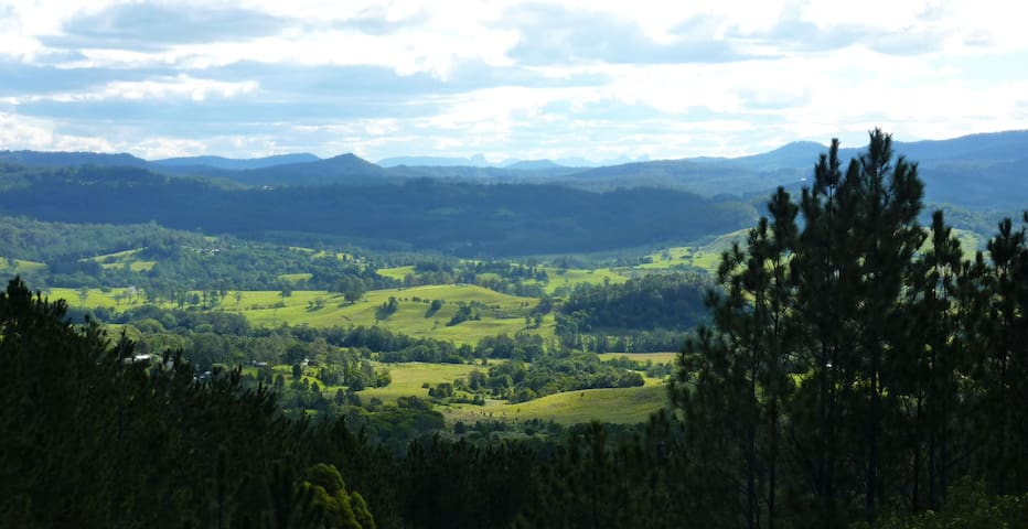 Cosy home with stunning views - Nimbin - Rumah