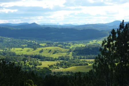 Cosy home with stunning views - Nimbin