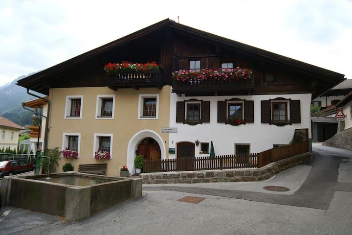 Ferienwohnung via Fienili, 2 Pers. - Gossensaß - Lägenhet