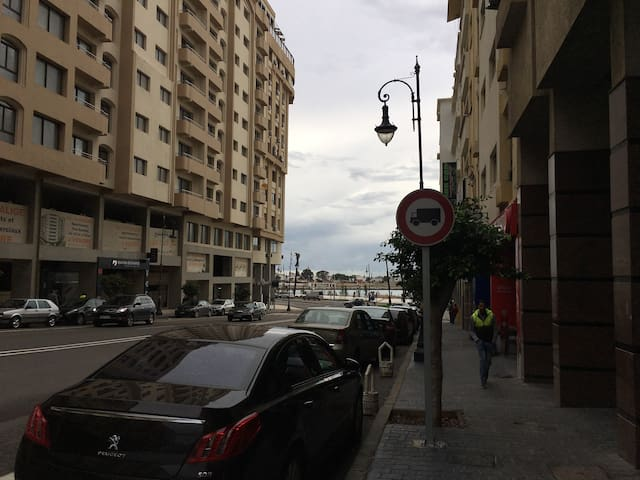Appartement 105m a cote de la corniche (playa) - Tangier - Apartment