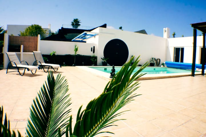 VILLA with SEAVIEW and HEATED POOL - Playa Blanca - Villa