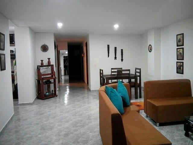COZY ROOM ENVIGADO - Envigado - Apartment