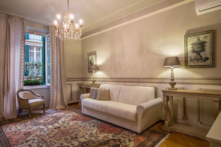Flat next to Juliet's house, 10m to Piazza Erbe