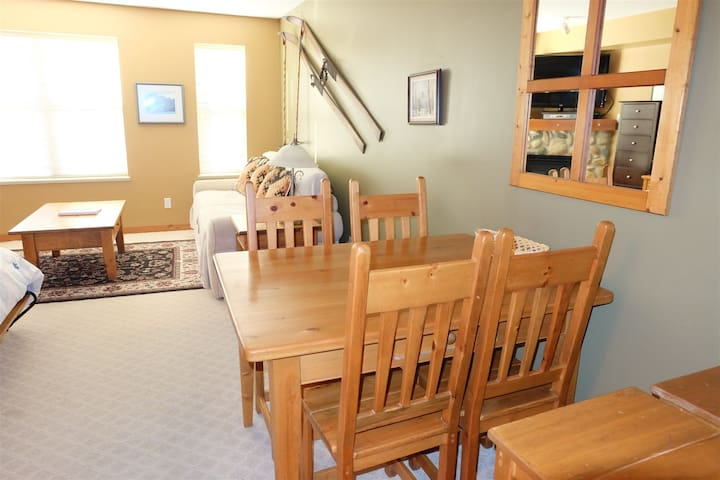 Powder Pad - Affordable Studio - Pet Friendly too! - Silver Star Mountain - Pis