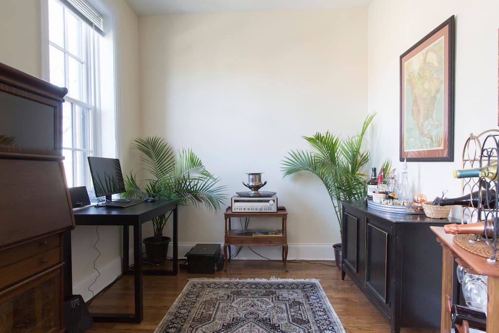 Bright Stylish In Lincoln Park Patio Apartments For Rent In Chicago Illinois United States