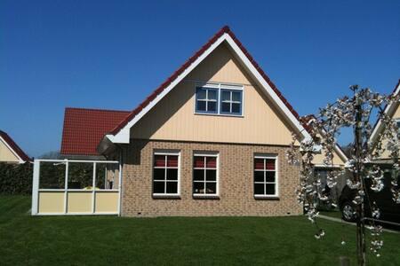 Vakantiehuis Zeeduinenbos in de Schoorlse duinen - Schoorl - Cabin