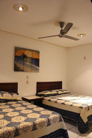 TERESITA`S GUESTS ROOMS Habitación p 4 personas. 2