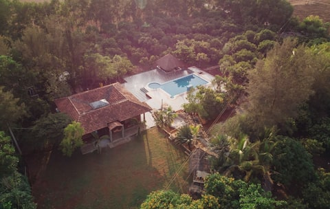 A peaceful property amidst a mango farm