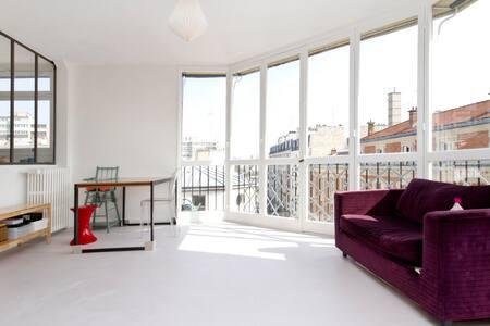 Luminous flat near Montmartre !