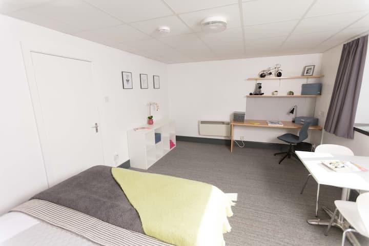 Uni City Lodge - Studio + City Centre
