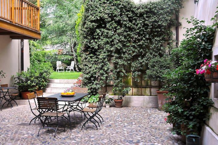 Delizioso appartamento per famiglia - Rovereto - Bed & Breakfast
