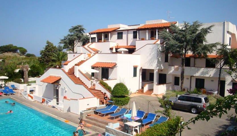 Ischia appartamento con piscina termale