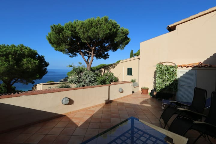 Trilocale con terrazza vista mare - Campo Nell'Elba - Apartment