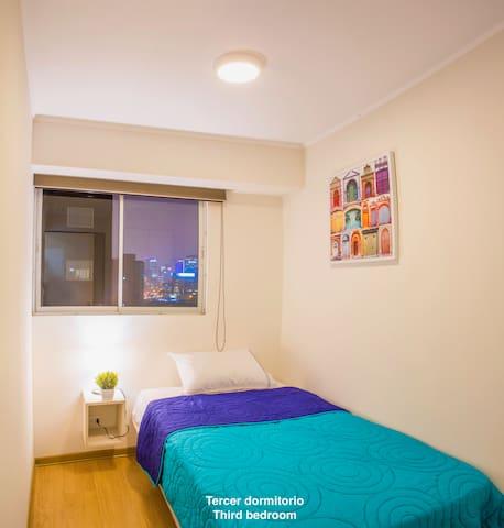 Dormitorio 3 (1 plaza y media) / Bedroom 3 (1.5 size bed)