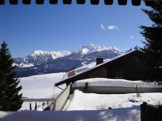 Ski Golf Wandern  Sonnige 2 ZiWo im Hotel La Siala - Falera - Apartament