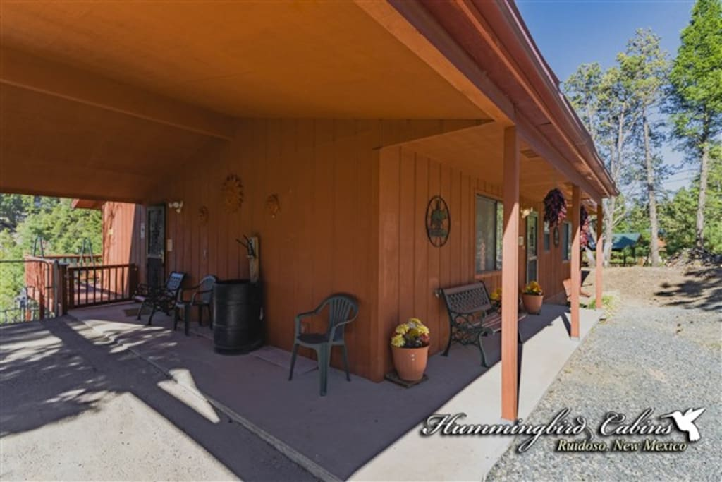 Touch of santa fe 728 cabins for rent in ruidoso new for Santa fe new mexico cabin rentals