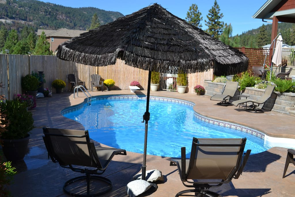 Seasonal Pool set in stunning surroundings shared with just one other unit. Contact owners for exact opening and closing dates