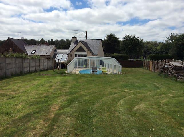 Maison avec piscine 6 personnes proche Saint-Malo - Plerguer - Hus