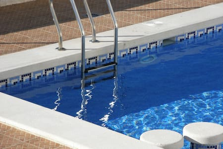 Free WiFi, swimmingpool, new, big house, 5 levels - Ciudad Quesada - Hus