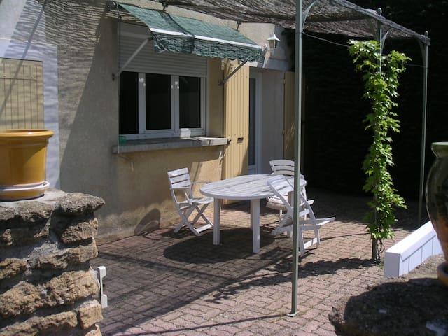 studio avec terrasse privée - Bouchet - Apartment