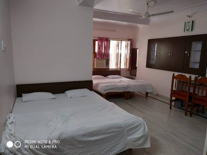 Boby Home Stay-Family Suite Room-Kishan Pole Bazar, Inside Ajmeri Gate, Jaipur, Rajasthan