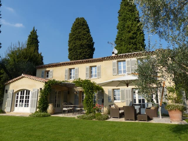 Romantic Villa with pool in Grasse - Grasse - Villa