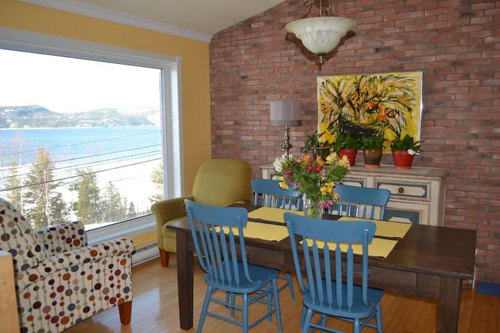 Maison face au Saguenay - La Baie