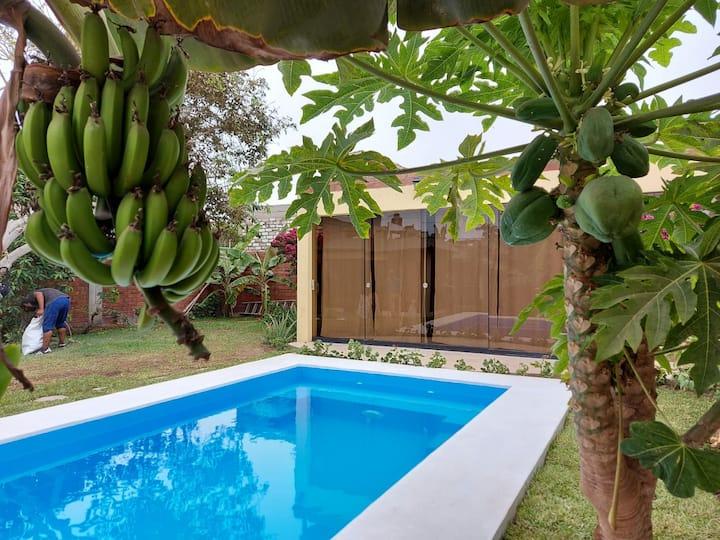 Lind casa c/piscina  a 2 cdrs de la playa