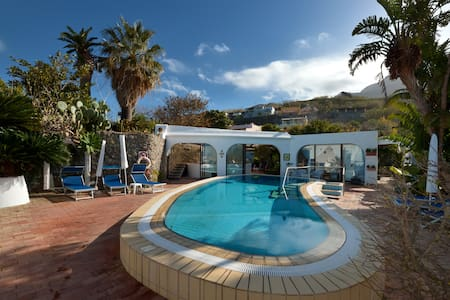 Sleep in a botanic Garden, Ischia - Forio - Bed & Breakfast