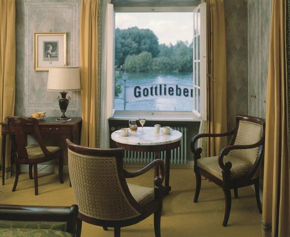 Historical Room on Lakeside - Gottlieben - Bed & Breakfast