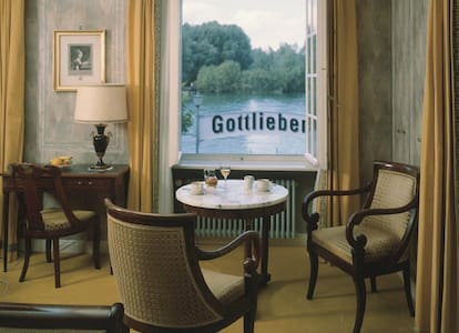 Historical Room on Lakeside - Gottlieben