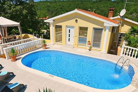 Luxury Holiday Home in roman style - Ripenda Kras