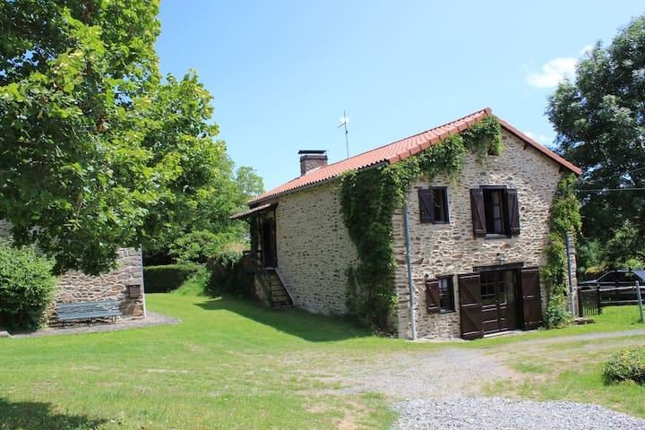 Grande ferme restaurée - Arlanc