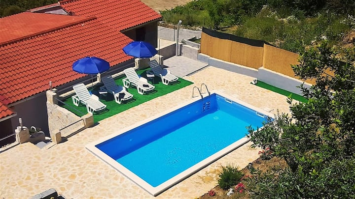 Holiday Home Dijamant with a Private Pool
