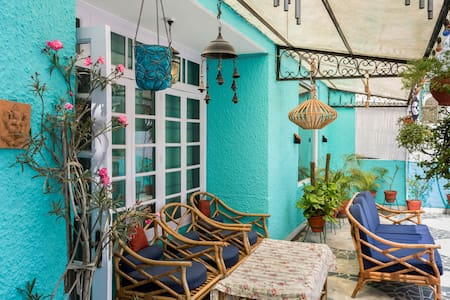 A terrace home in South Delhi for overseas guests - New Delhi