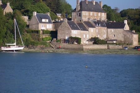 Top 20 B&B et Chambres d'hôtes à Créhen - Airbnb Créhen, Bretagne ...
