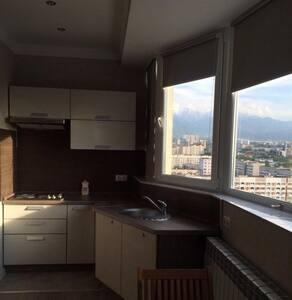 2х комнатная квартира посуточно (евроремонт) мкр 3 - Almaty - Serviced apartment