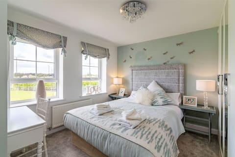 Stunning & Luxurious 4bed House, Littleover, Derby