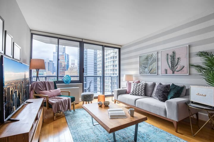 Stately Theater District 1BR w/ Indoor pool + Gym by Blueground