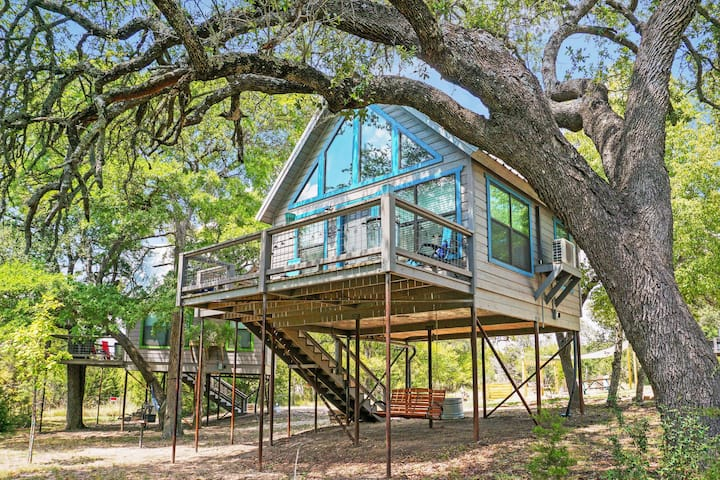 Arbor House of Dripping Springs- Nautical House