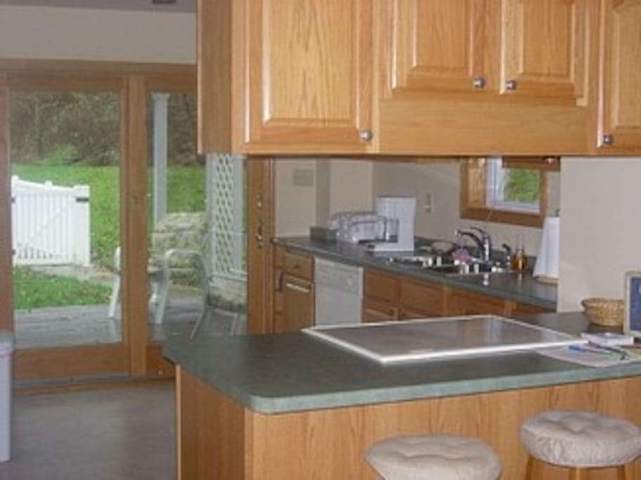 Great fully equipped kitchen with attached dining area