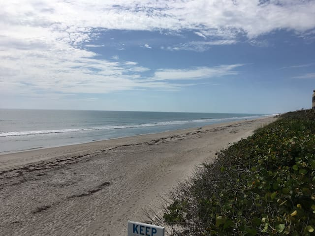 NEW LOW PRICING/STUNNING BEACHSIDE RENOVATED 2 BR