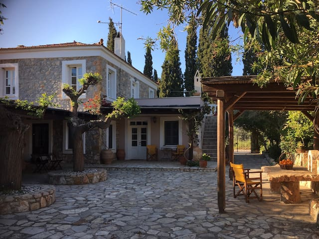 Relaxing Home with Gardens near Porto Heli